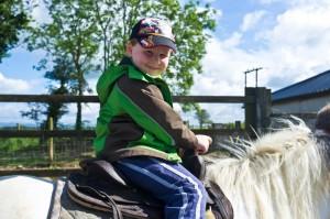 B Riding bob lead rein