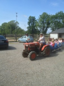 v Tractor drivin